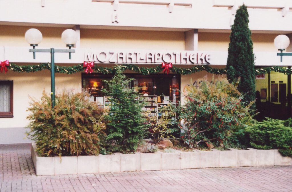 2002 - Nach Renovierung der Außenfassade im Jahr 2001