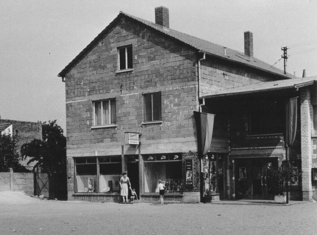 1952 - Die alte Apotheke in der Mozartstraße